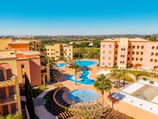 Vilamoura €360,000Bank RepossessionApartment with 2 beds, 2 baths with shared swimming pools…