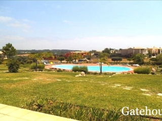 Vilamoura €210,000Bank RepossessionGolf apartment with 2 beds, 3 baths with shared swimming pool…