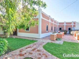 Boliqueime €500,000Bargain PropertyDetached 4 bed 4 bath quinta with swimming pool & gardens…