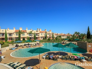 Vilamoura €517,000Bank RepossessionVila Sol Golf linked villa with 4 beds, 3 baths with shared pools…