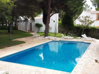 Vale do Lobo €450,000Bargain PropertyDetached villa with 4 beds, 2 baths, pool & private plot…