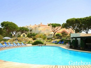 Vale do Lobo €195,000Bargain PropertyApartment with 2 beds, 2 baths with shared swimming pool …