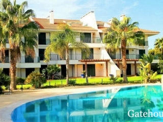 Vilamoura €265,000Bank RepossessionVila Sol Golf Resort apartment with 2 beds & 2 baths with pools…