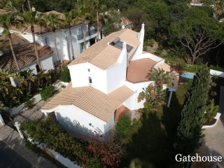 Vale do Lobo €640,000Bank RepossessionDetached villa with 3 beds with pool in Vale do Garrao…