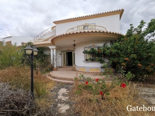 Castro Marim €377,000Bank RepossessionDetached villa with 4 beds & 3 baths with a swimming pool…