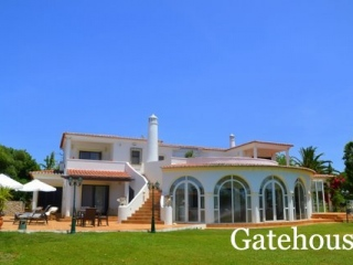 Carvoeiro €925,000Bargain PropertyDetached villa with 5 beds, 5 baths, swimming pool & 4,000m2 plot…