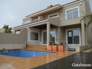 Vilamoura €650,000Bank RepossessionVilla with 3 bedrooms, garden, pool, garage, country views….