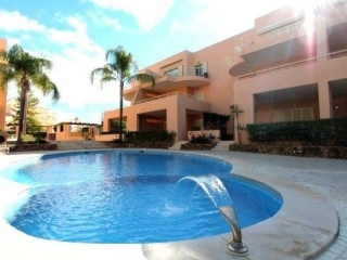 Vilamoura €175,000Bargain PropertyGolf apartment with 2 beds, 2 baths & shared swimming pool…