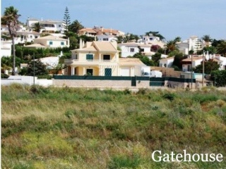 Praia da Luz €110,000Bargain PropertyDuplex apartment with 2 beds, 2 baths & swimming pool…