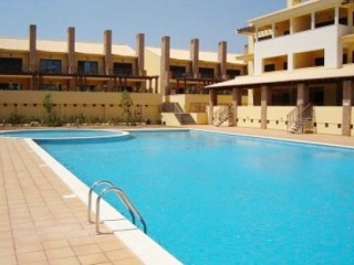 Vilamoura €295,000Bargain PropertyGolf townhouse with 3 beds, 2 baths, shared pool & golf views…