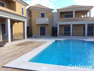 Olhos d Agua €850,000Bank RepossessionDetached 420m2 villa with 4 beds, swimming pool & 1,590m2 plot…