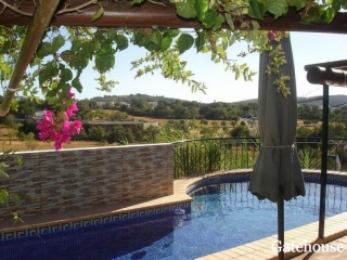 Sao Bras €195,000Bargain PropertyDetached villa with 2 beds, 2 baths plus an office with swimming pool…