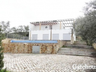 Sao Bras €484,000Bank RepossessionDetached 400m2 villa with 4 beds, 4 baths with a swimming pool…