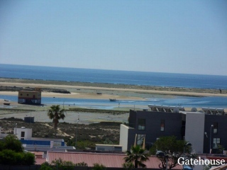 Fuzeta €197,500Bank RepossessionSea view modern townhouse with 3 beds, 2 baths & sun terraces…