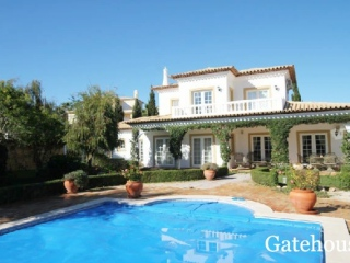 Praia da Luz €650,000Bargain PropertySea view villa with 3 beds, 2 baths, gardens & swimming pool…