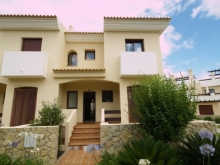 Vilamoura €319,500Bargain PropertyVila Sol golf townhouse with 3 beds, 3 baths & shared pools…