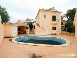 Lagos €480,000Bank RepossessionDetached villa with 4 beds, 4 baths with a swimming pool…