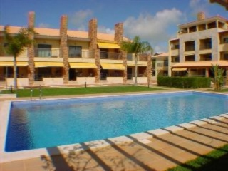 Vilamoura €220,000Reduced By €105,000Golf property with 3 beds, 3 baths, swimming pool & gardens..