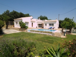 Almancil €345,000Reduced By €50,000Detached sea view villa with 3 bed, 2 baths in Vale Formoso…