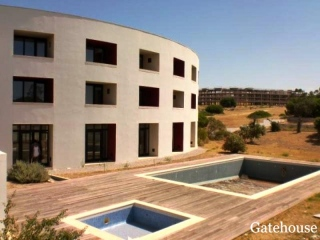 Albufeira €1.14 MillionBank RepossessionFormer hotel with 22 bedrooms & 22 bathrooms near Gale beach…