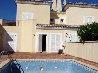 Vale do Lobo €310,000Bank RepossessionTownhouse with 3 beds, 3 baths, own plunge pool in The Village..