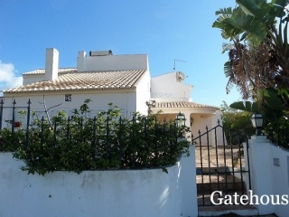 Albufeira €465,000Bank RepossessionDetached villa with 5 beds, 4 baths with swimming pool and garden…