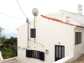 Salema €79,500Beach PropertyTraditional beach property with sea views, 1 beds & 1 bath ..